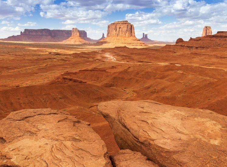 La Terre rouge de Monument Valley, National Parc, Etats Unis
